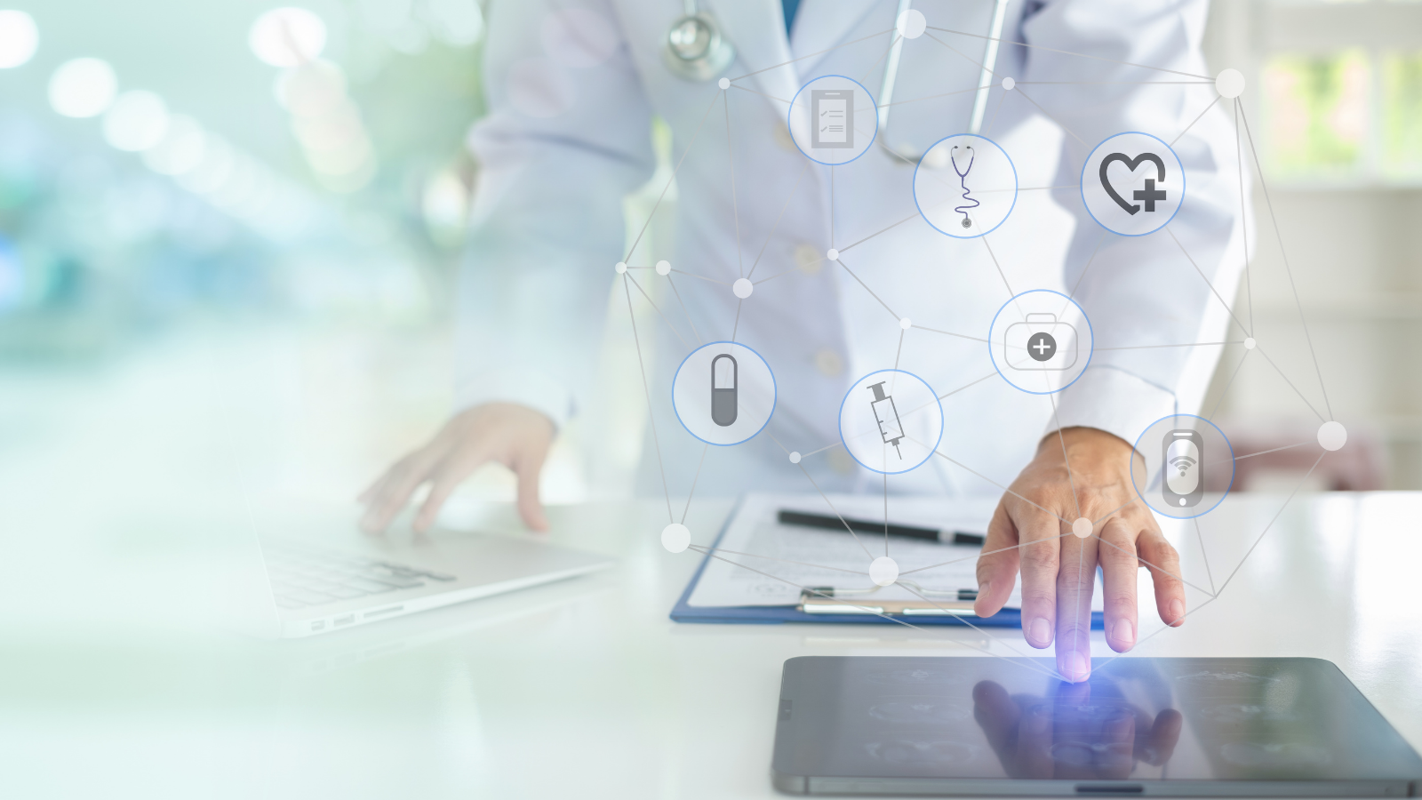 Physician working with artificial intelligence